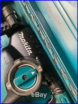 Makita HR2811FT-1 110v 28mm SDS+ Rotary Hammer Quick Change Chuck